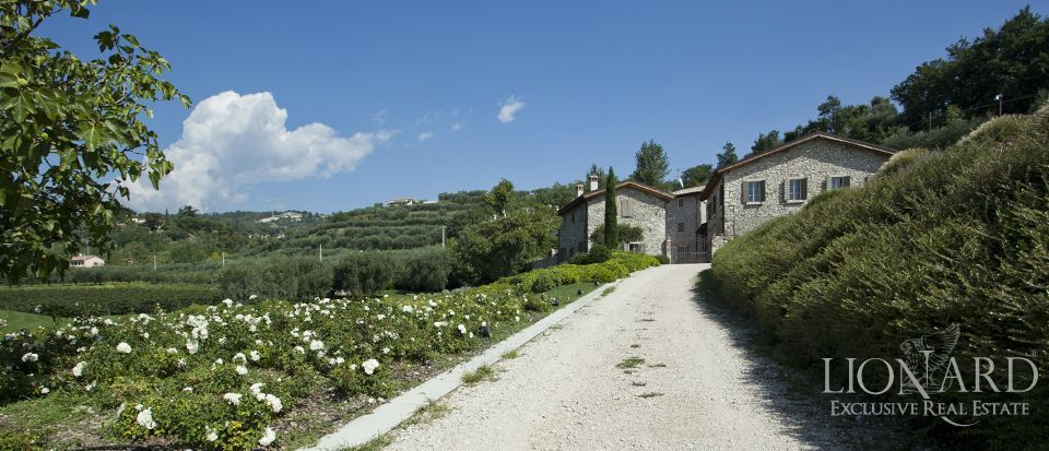 LUXURY VILLA FOR SALE ON LAKE GARDA