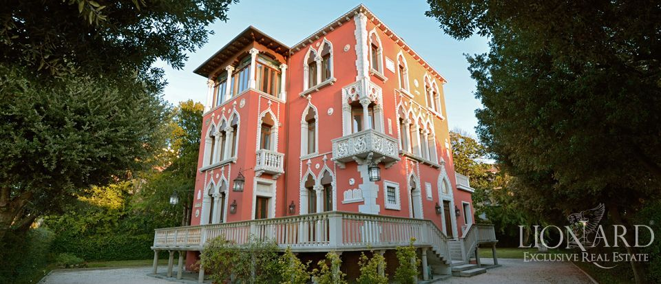 VILLA FOR SALE IN VENICE with panoramic view of the laguna