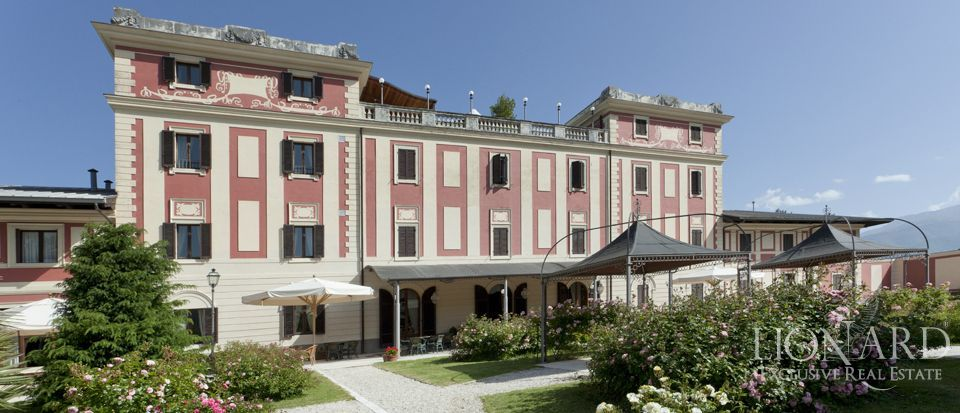 VILLA FOR SALE IN ROME