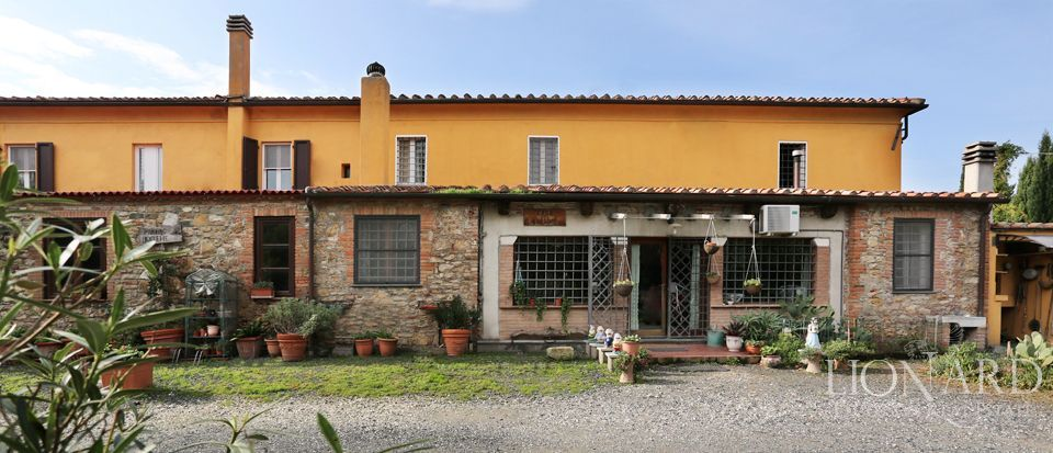 CHARMING AGRITOURISM FOR SALE IN LIVORNO
