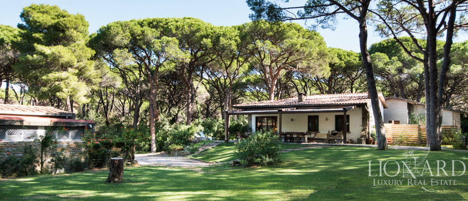 elegant luxury villa for sale in roccamare