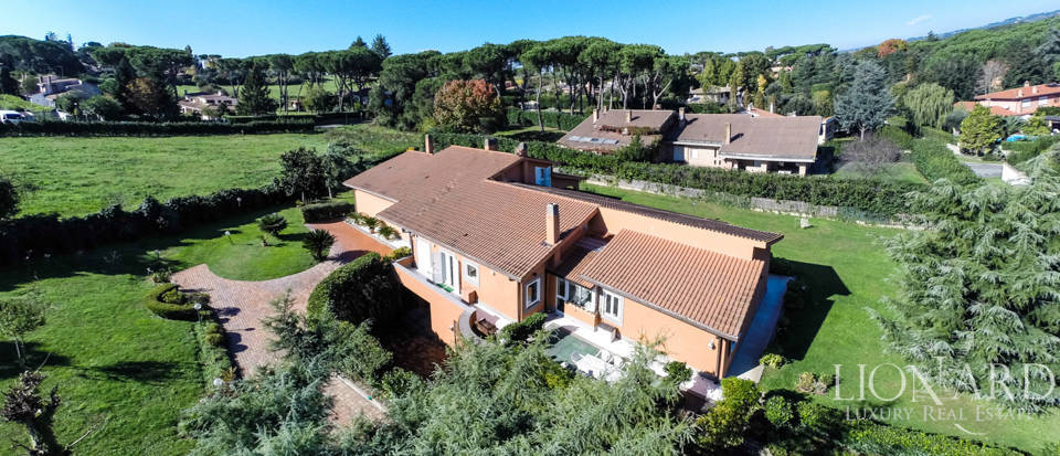 splendid luxury villa for sale in rome