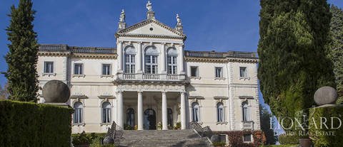 magnificent venetian villa from the 17th century for sale