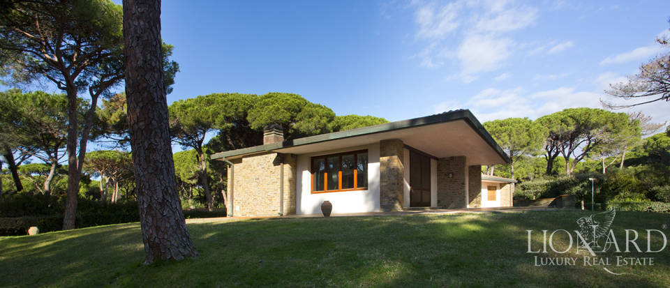 splendid luxury villa in the pine forest of roccamare