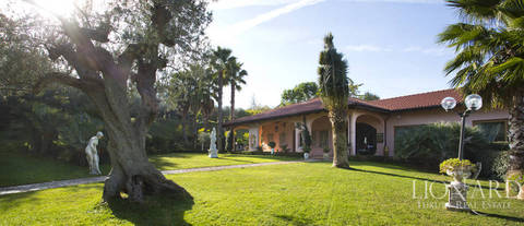 splendid luxury villa for sale in chieti