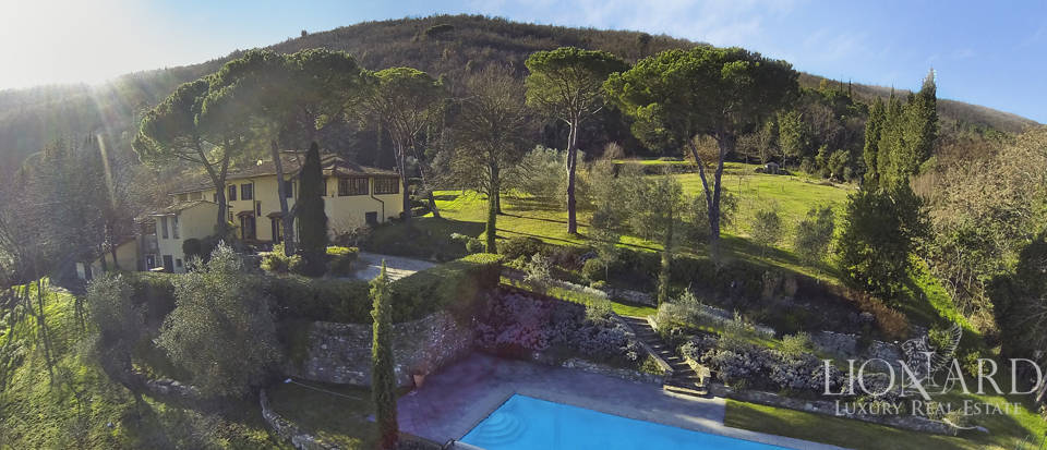 luxury home with pool near florence