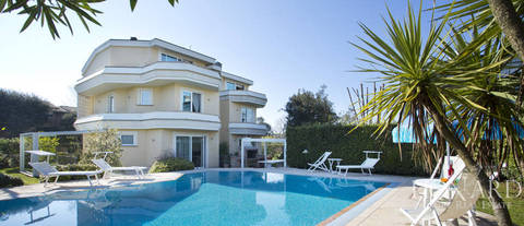 luxury villa with pool in lido di camaiore