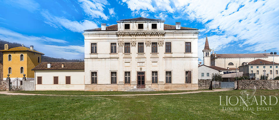 magnificent venetian villa for sale in vicenza