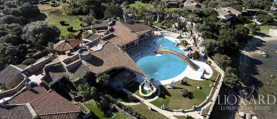 Marvellous luxury villa with pool in Porto Rotondo Image 1