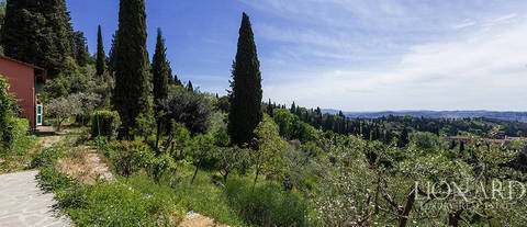 villa with a panoramic view of firenze for sale