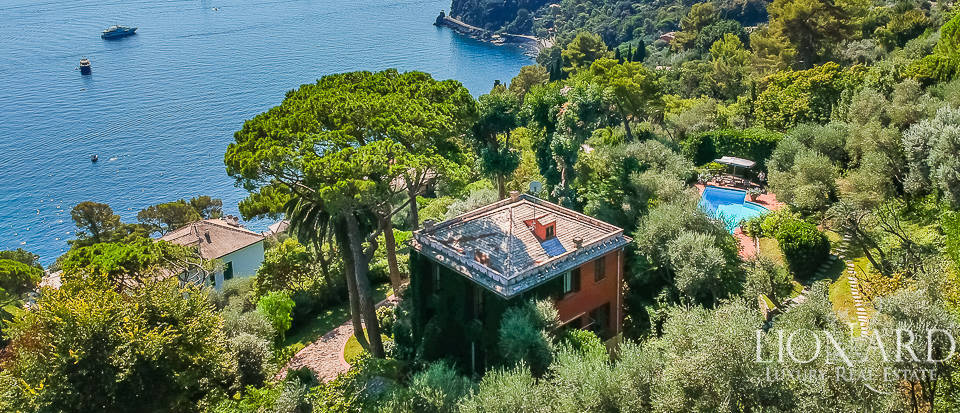 magnificent villa with pool overlooking the ligurian sea
