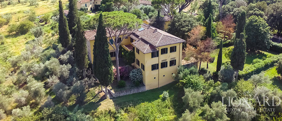 splendid 15th century villa on florence's hills