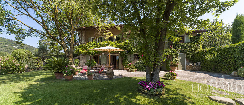 luxury villa with swimming pool for sale in veneto