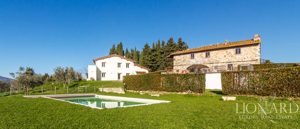 villa with farmhouse and lands for sale in florence