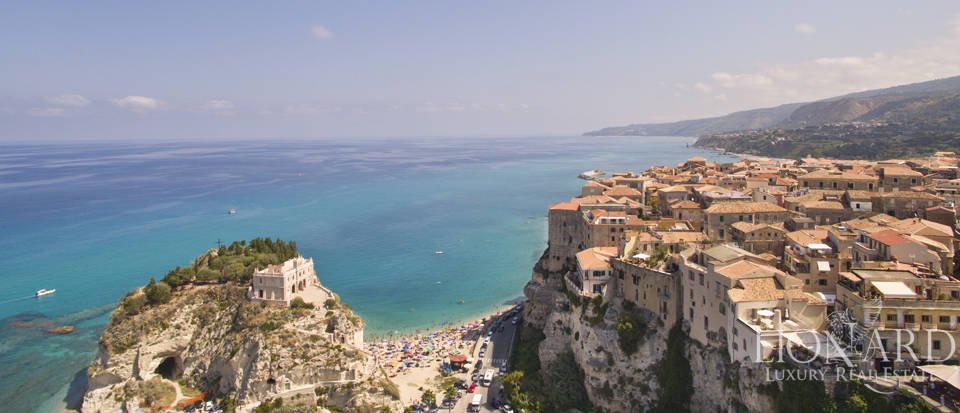 Prestigious villa on Tropea