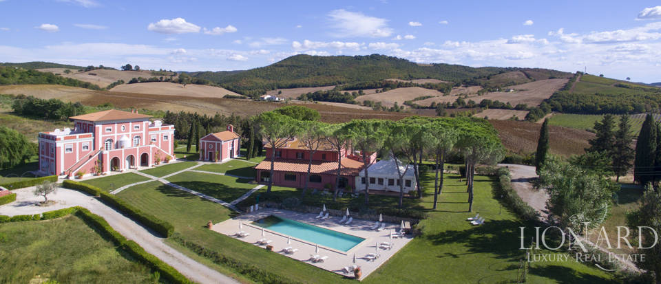 luxury villa with farmstead for sale in grosseto