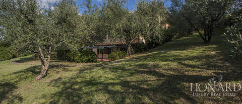 elegant villa for sale in florence