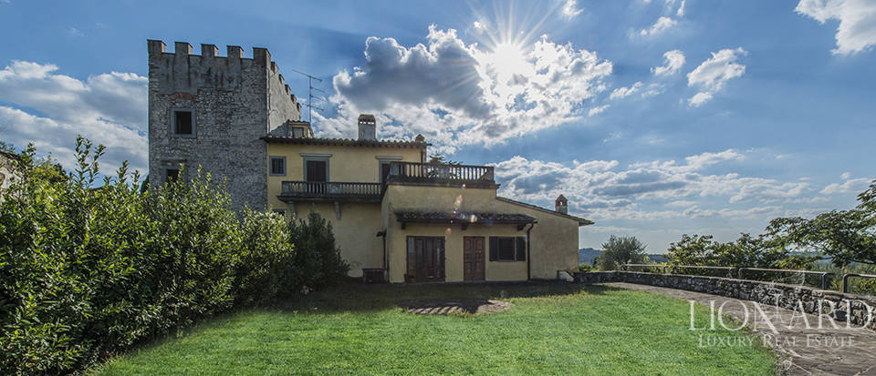 Magnificent villa for sale on the outskirts of Florence Image 1