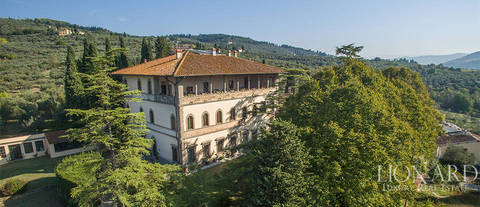 elegant luxe appartement in een villa in fiesole