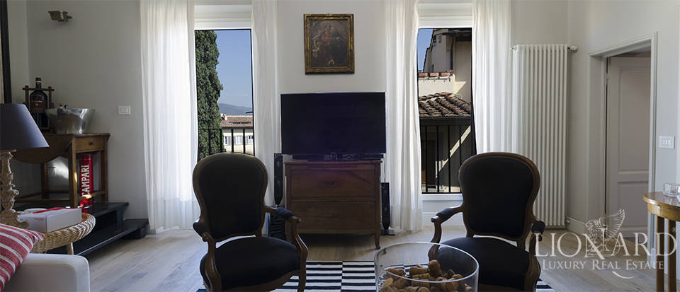 luxurious apartment in the heart of florence