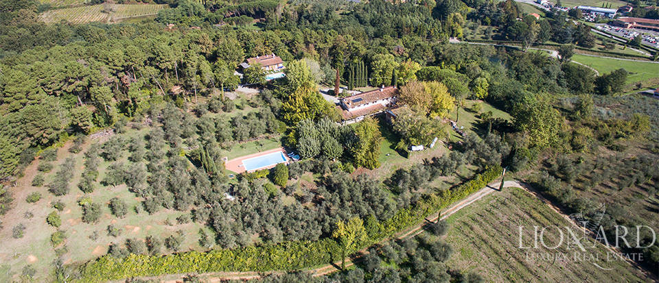 luxury complex surrounded by the tuscan countryside