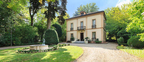magnificent historic villa for sale in pavia