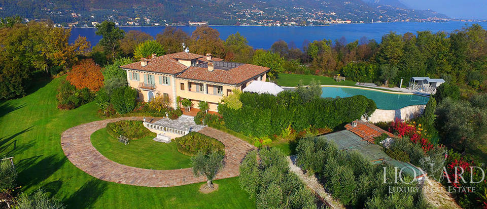 lovely villa for sale in front of lake garda