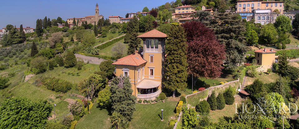 magnificent villa for sale in bergamos citta alta