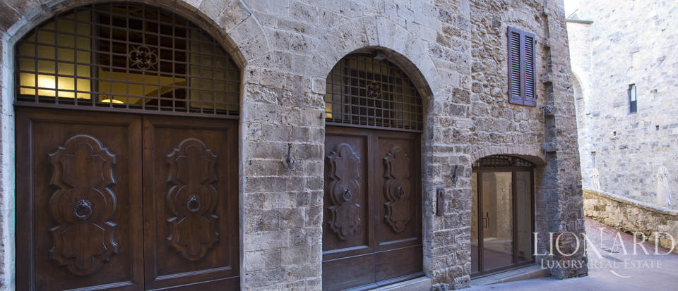 stunning building for sale in san gimignano