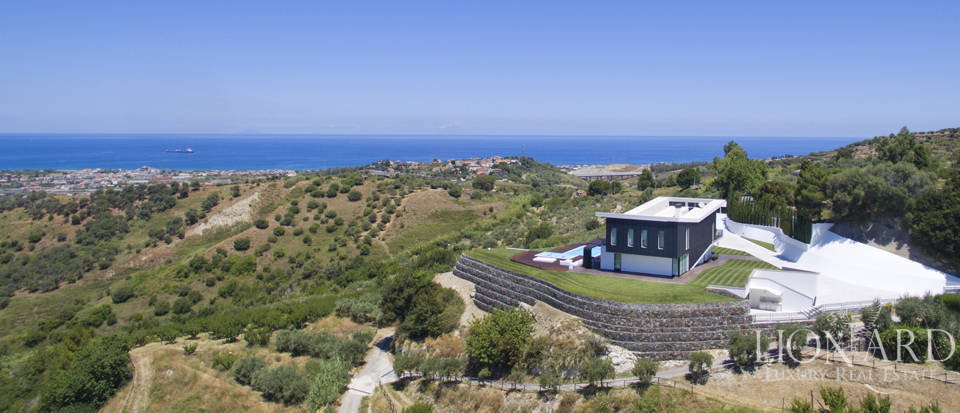 modern luxury villa for sale in sicily