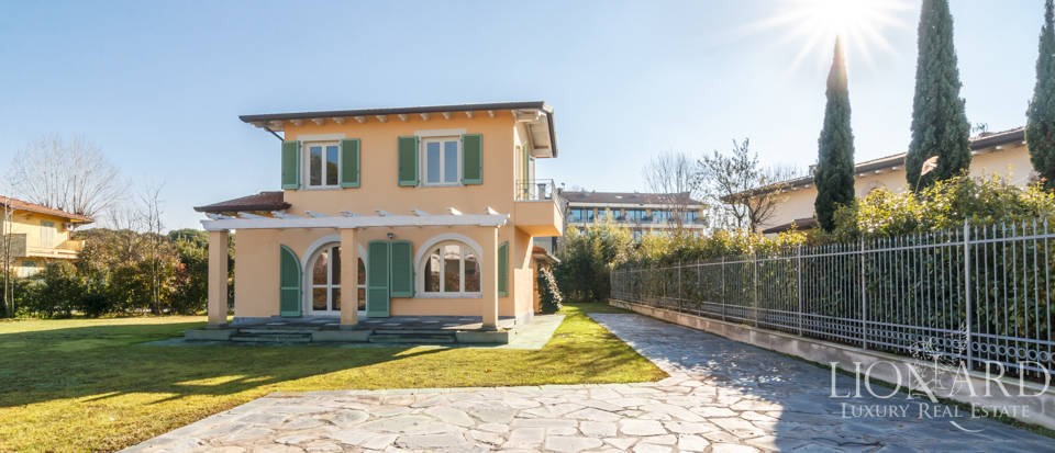luxury estate for sale in forte dei marmi