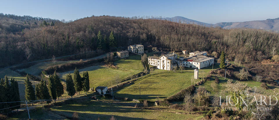 Stunning historical estate for sale near Florence Image 1