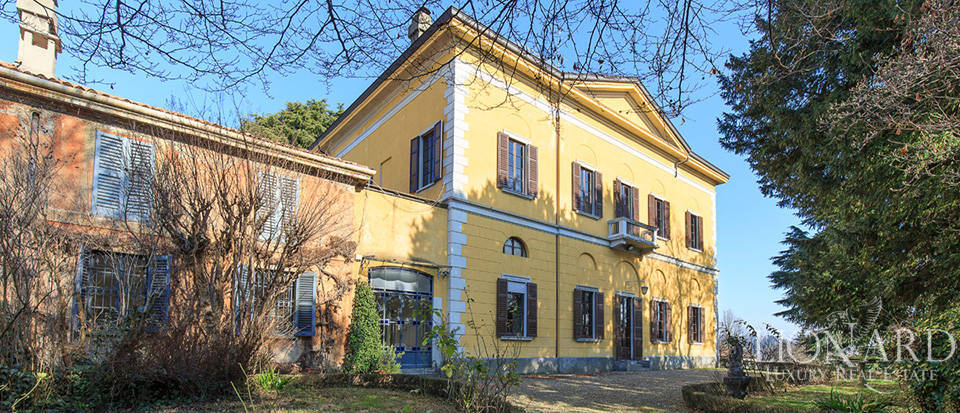 historical luxury villa for sale in brianza