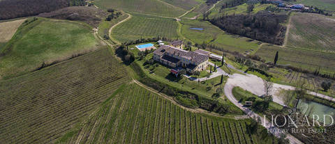 agritourism resort for sale on tuscan hills