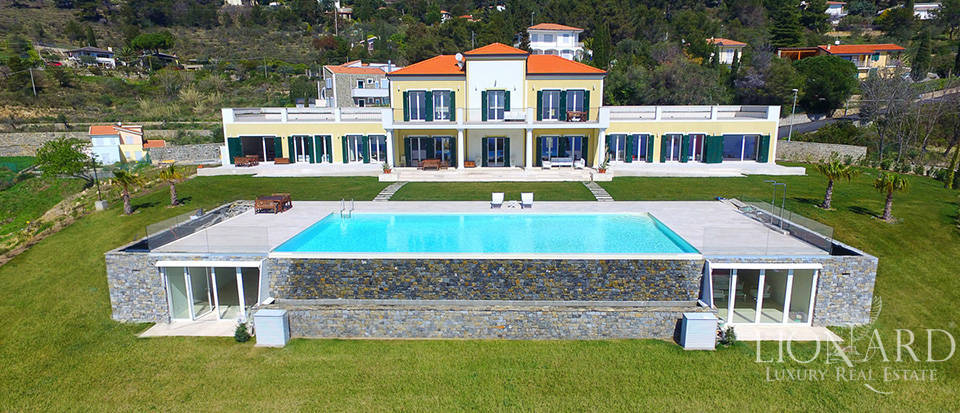 Beautiful villa by Liguria