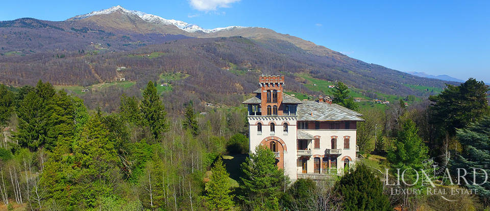 magnificent castle for sale in piedmont