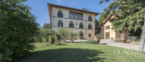 16th century villa for sale in arezzo