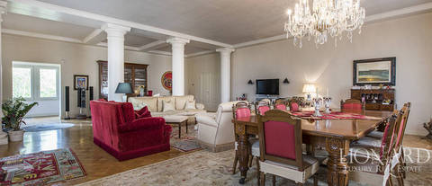 luxurious apartment for sale in florence 1