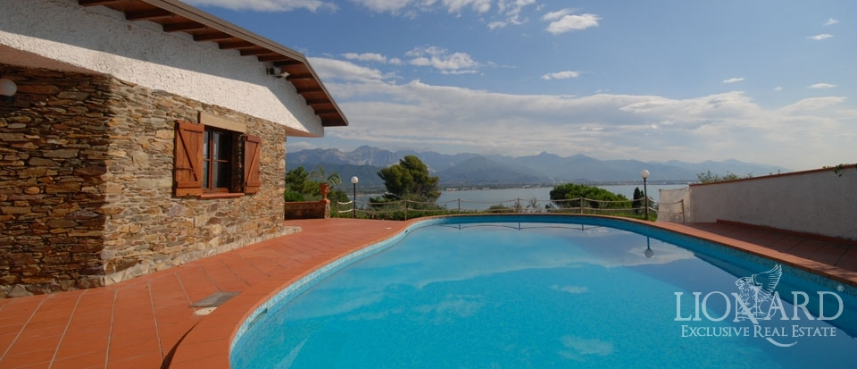 for sale luxury villa in liguria italy
