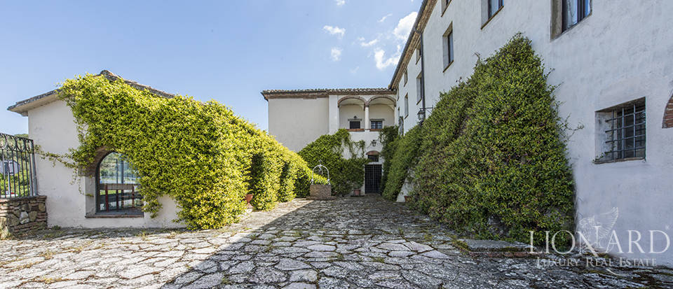 historical luxury palace for sale in umbria
