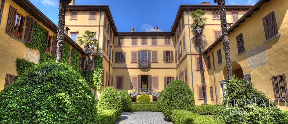 historical villa for sale near lecco
