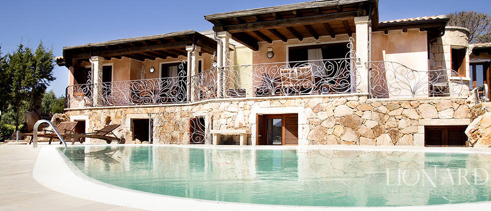 sea front villa for sale in sardinia