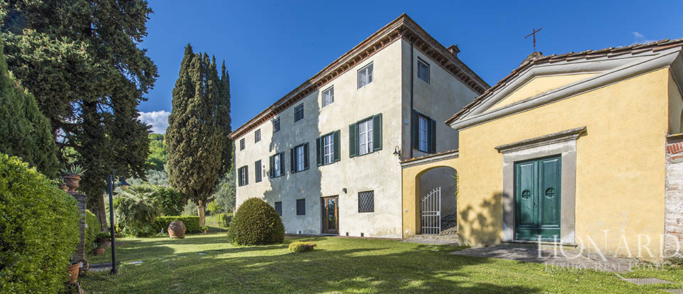 Luxury 17th-century villa in Lucca