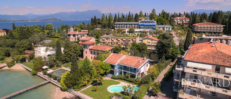Luxury villa for sale in Sirmione Image 1