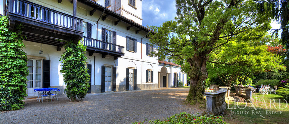 historical villa for sale near varese