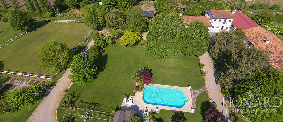 agritourism resort for sale near padua
