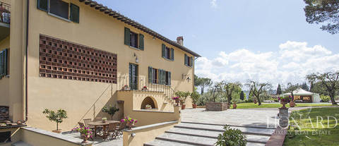 prestigious villa with swimming pool at the outskirts of lucca
