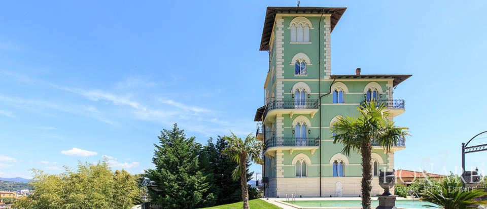 Stunning luxury villa for sale in La Spezia Image 1