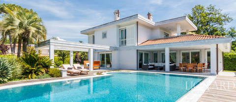 modern luxury villa with swimming pool in forte dei marmi