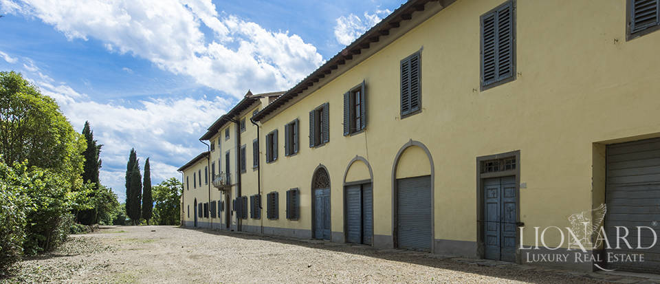 Dream farmstead in the Chianti Valdarno superiore area Image 1